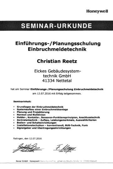 https://eickes.com/wp-content/uploads/2021/05/Novar-Christian-Reetz-1-360x540.jpg